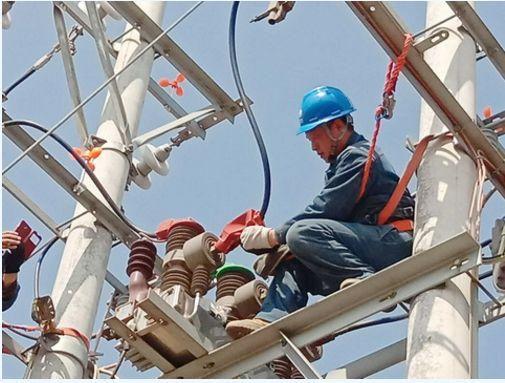济源供电公司:周检线路 保障运行鄂尔多斯